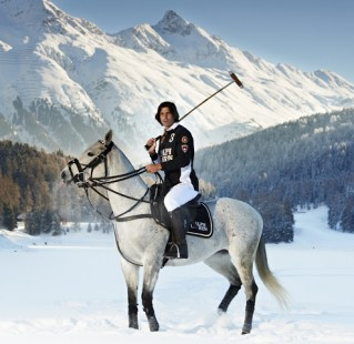 Ralph Lauren Dresses St. Moritz Snow Polo World Cup Teams Nacho Figueras (2)